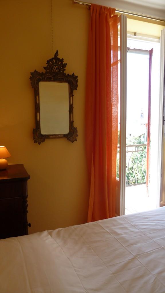 suite casa forster - i tendaggi e gli arredi
